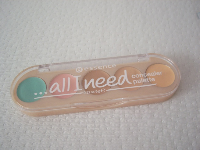 """All I need"" Concealer - Palette von Essence"