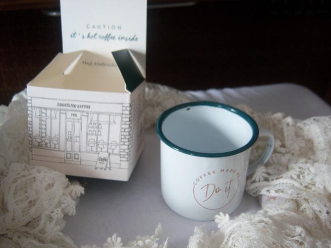 Es ist eine kleine Kaffeetasse!